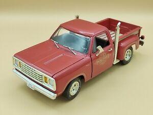 1/18 Dodge Warlock Pick Up Truck Rouge 1978 ERTL American Muscle