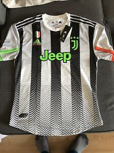 Maillot Juventus Palace Dybala Taille 2XL authentique.