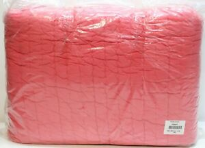 Be-you-tiful Home Basic Twin Quilt Set with Standard Sham, Coral