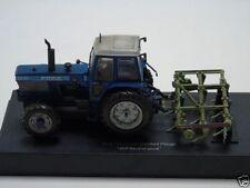 Véhicules miniatures bleus Universal Hobbies