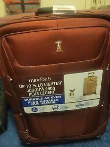 Travelpro Maxlite 5 | International Carry-On Rollaboard Burgandy