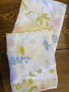 Vintage WAMSUTTA Ultracale Floral Wildflower Standard Pillowcases (Set of 2)