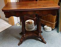 antiker kleiner Tisch Beistelltisch Spieltisch Telefontisch