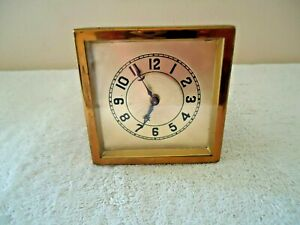 """Vintage Lux Clock Mfg.Co.Wind Up Table / Desk Top Clock """" BEAUTIFUL COLLECTIBLE"""