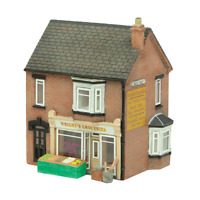 Graham Farish 42-0046 N Gauge Corner Store