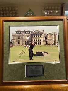 Tiger Woods Signed 16x20 UDA British Open Photo- St. Andrews Upper Deck