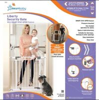 Child/pet safety gate - Dreambaby - white ready to install