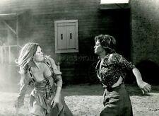 BRIGITTE BARDOT CLAUDIA CARDINALE LES PETROLEUSES 1971 VINTAGE PHOTO ORIGINAL #9