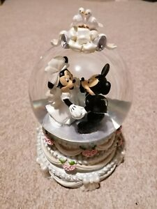Mickey Mouse, Minnie A Dream Is A wish Your Heart Wakes Wedding Snow Globe