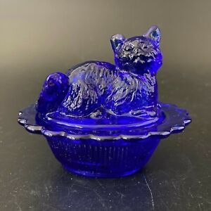 Vintage Mosser Mini Cobalt Blue Glass Cat Kitten on Nest Dish Salt Cellar