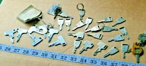 GENUINE CLASSIC VINTAGE HONDA KEY Motorcycle or Moped YOU ARE BUYING ONE KEY