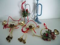 Lot of 5 Christmas Tree Ornaments Trumpets/Bugles Horns w/Pine cones Pip Berries