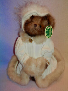 THE BEARINGTON COLLECTION * BROWN BEAR * IVORY COAT HAT AND MUFF * 12 IN * CUTE
