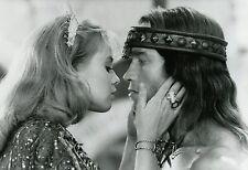 ARNOLD SCHWARZENEGGER OLIVIA D'ABO CONAN THE DESTROYER1984 VINTAGE PHOTO N°2