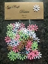 #14 100 PAPER DAISY FLOWER CARD MAKING CRAFT EMBELLISHMENTS party decorations