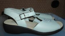 Lovely Pair MILLY Size 8 Cream Colour Leather HOTTER Slingback Shoes BNWOT