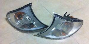 02-05 BMW 63 13 6 915 383/384 E46 330i-330Xi CLEAR CORNER LIGHT SET ORIGINAL OEM