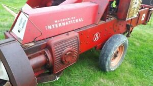 Mckormic international small baler really lovely condition all round