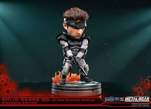 Figurine Metal Gear Solid - Solid Snake SD 20 cm