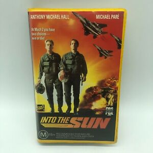 Into The Sun VHS PAL CBS FOX / FOX VIDEO - Top Gun Copy Ex Rental Clam Shell