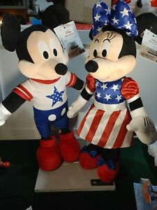New Disney July 4th  Mickey And Minnie Patriotic Greeters brand new perfect!
