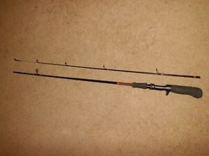 Vintage SHAKESPEARE Ugly Stik SCL 1100 Lite Baitcasting 6' Rod made in USA