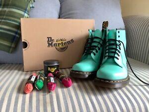 Dr. Martens AirWave Peppermint Green Boots EU 39 EUC