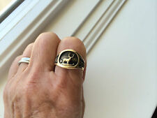 14K YELLOW GOLD MEN'S SIGNET RING w/ ANTIQUE FINISH, VINTAGE (1983)