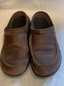 Mens Size 11 Crocs Brown Tan Slides Nubuck Loafers Sandals Slippers Leather Clog