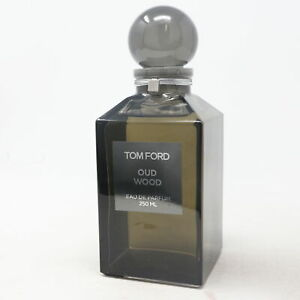 Oud Wood by Tom Ford Eau De Parfum Decent 8.5oz/250ml Splash New Without Box