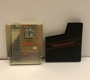 The Legend of Zelda Authentic Gold Case (NInetendo NES ) Game with Dust Sleeve !