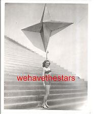 Vintage Eleanor Holm FUTURISTIC BALLOON NEW YORK WORLDS FAIR 30s Press Portrait