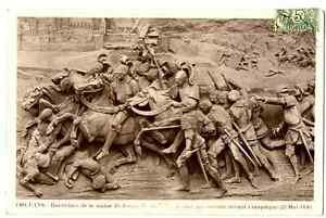 CPA 45 Loiret Orléans Bas relief Jeanne d'Arc devant Compiègne
