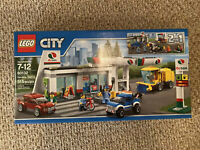 LEGO 60132 City Town  Service Station NEW SEALED Fast shipping