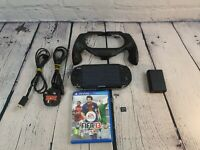 Sony PlayStation PS Vita PCH-1003 OLED (FW 3.73) 1 game 4GB memory card. Charger