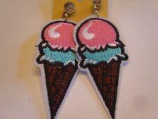 Ohrringe Bügelbilder Flicken Eistüte mit blauem Erdbeer Eis NEU Handgemacht 3981