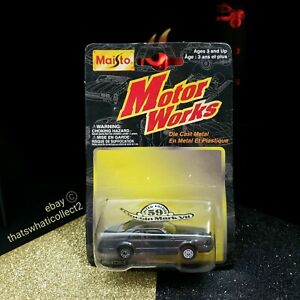 1997 MAISTO LINCOLN MARK VII MOTOR WORKS 1/64 LIMITED EDITION - A11