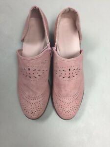 Blush Rose Suede Side Cutout Booties Womens Casual Low Heel Zipper Size 10