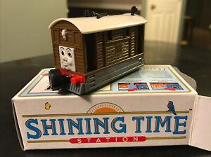 TOBY TRAM Thomas and Friends SHINING TIME GOLD RAIL SERIES -ertl NIB