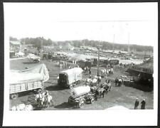 RINGLING BROS BARNUM & BAILEY CIRCUS MAIN ENTRANCE TENT & CARRIAGES PHOTO (154)