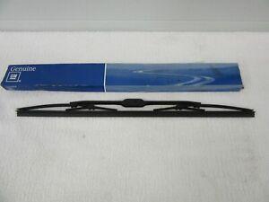 """NOS 1985-1994 Chevrolet Nova Geo Metro Prizm RH Wiper Blade 18"""" GM 12344992  dp"""