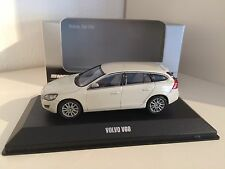 Motorart 2010 Volvo V60 in Cosmic-White-Metallic 1/43 OVP