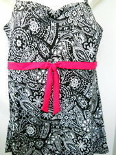 A Shore Thing 26W Womens Bathing Suit Black White Abstract Flower Pink Bow Skirt