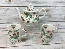 Alpine Strawberry Roy Kirkham Set Teapot Mugs Cups Fine Bone China England Bees