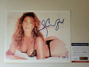 Cindy Crawford Autographed 8x10 PSA/DNA Authenticated