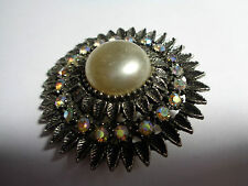 Faux Pearl Wedding Party Prom Fest Vintage Ab Brooch Silver Metal & Central