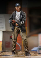 Royal Models 1/35 Zombie Hunter - Man with Gun (1 Figure)
