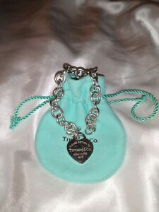Beautiful Vintage Tiffany co heart tag chain bracelet. Sterling silver.
