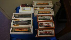LOT OF TRAIN CARS TRACK POWER PACK-TYCO BABY RUTH TEXACO CARS-BACHMANN CARS-TRAC