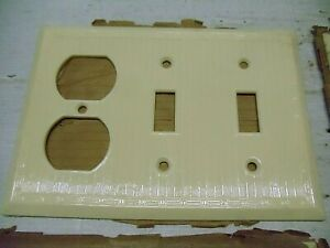 1 Old Vintage Fancy Ribbed Ivory Triple Switch Plate - Outlet Cover NOS Bakelite